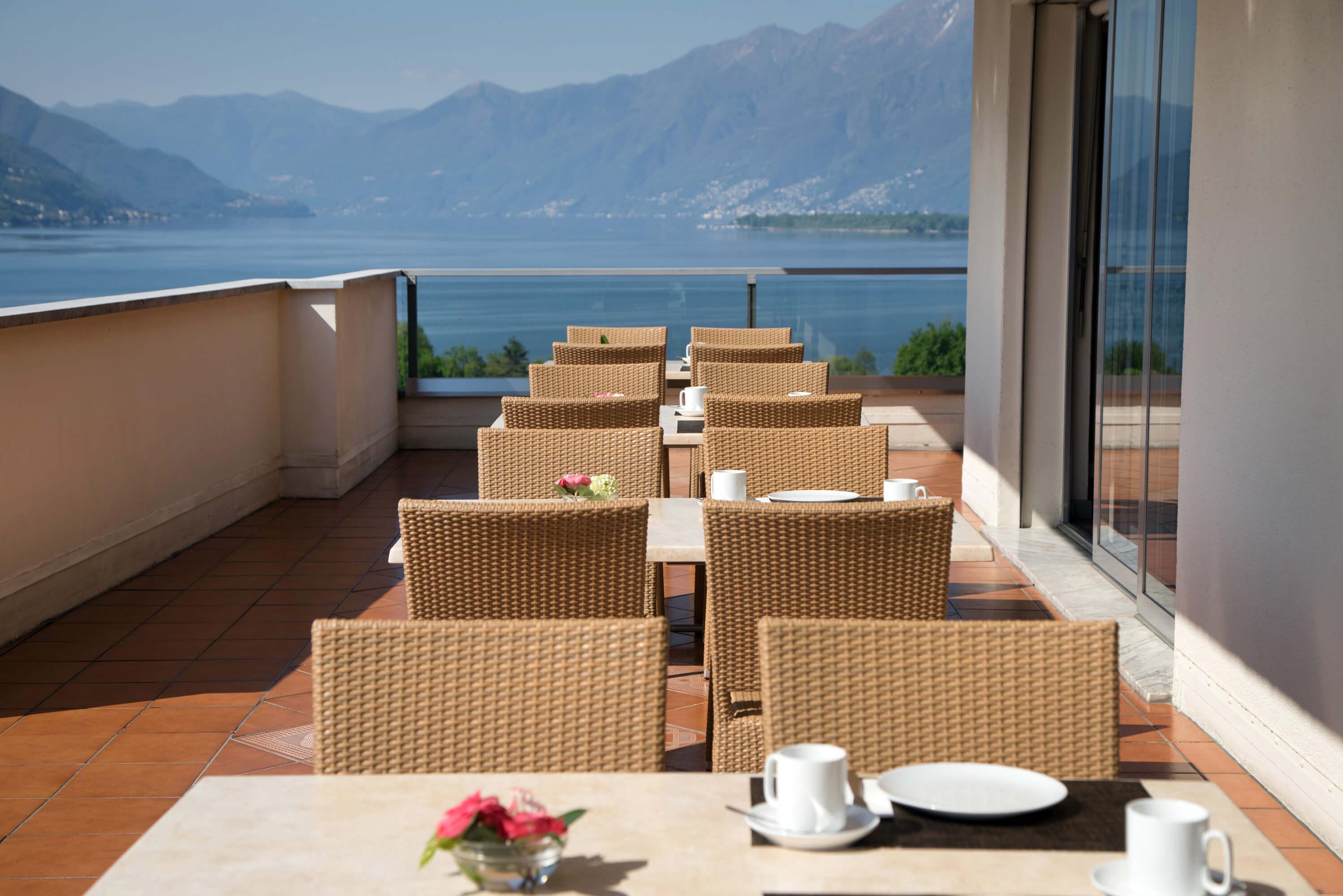 Hotel-Campofelice_terrazza-colazioni-2