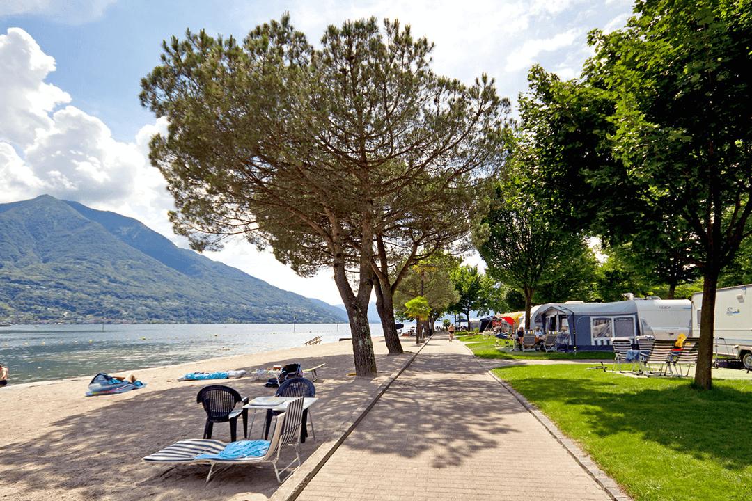 Spazi_spiaggia lago