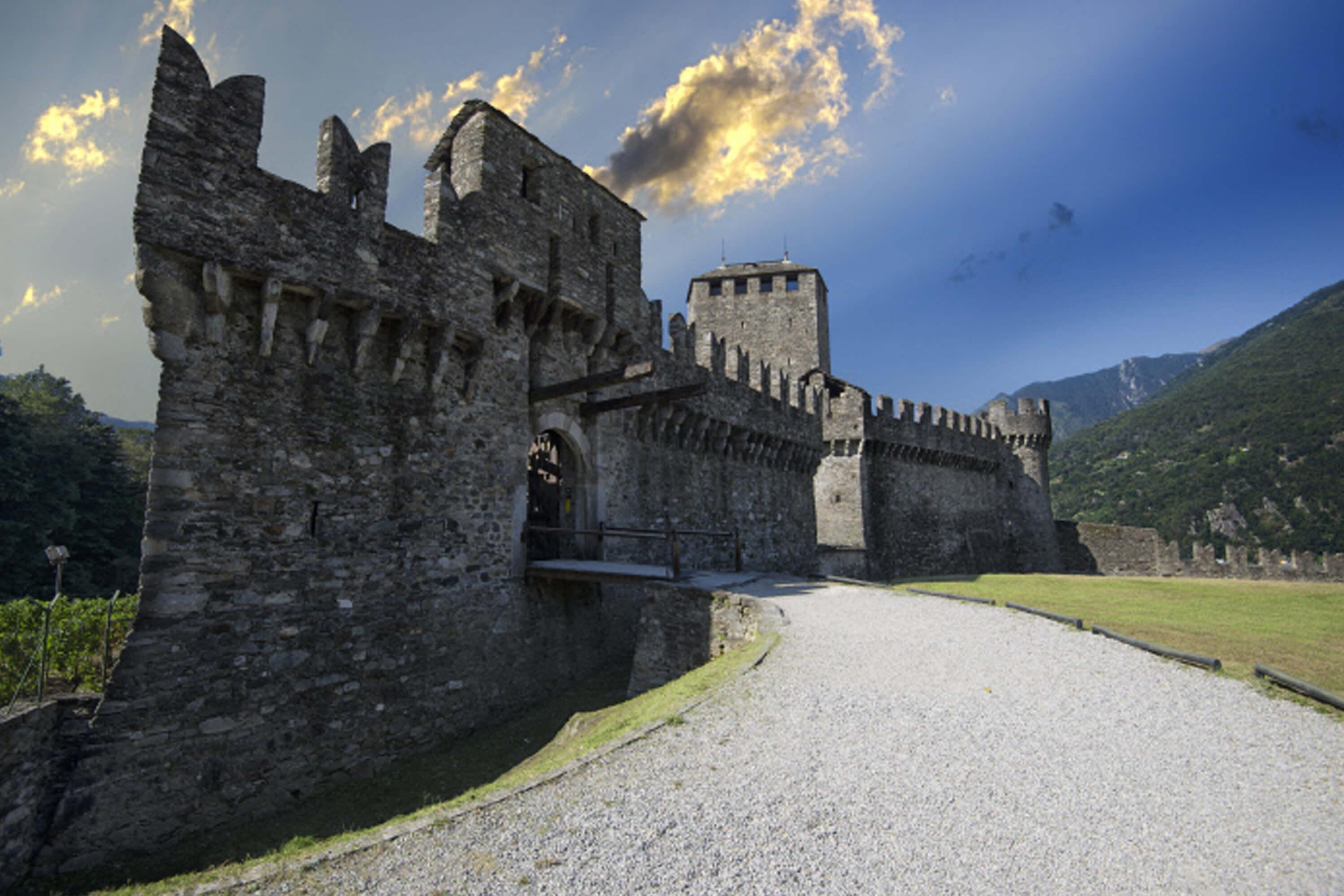Castello-di-Bellinzona-Montebello